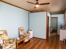 Beach-Cabin-living-room